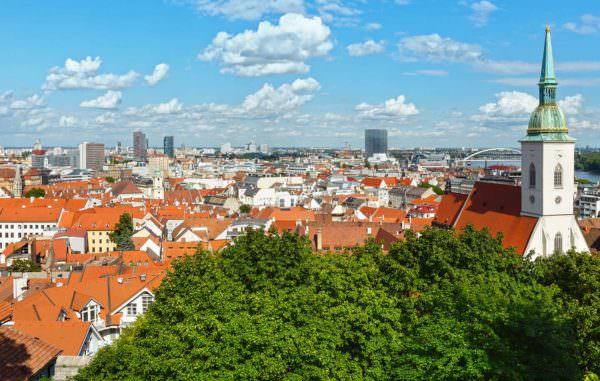 Ansicht über die Dächer von Bratislava