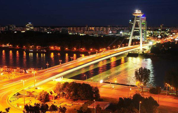 Brücke und UFO Bratislava